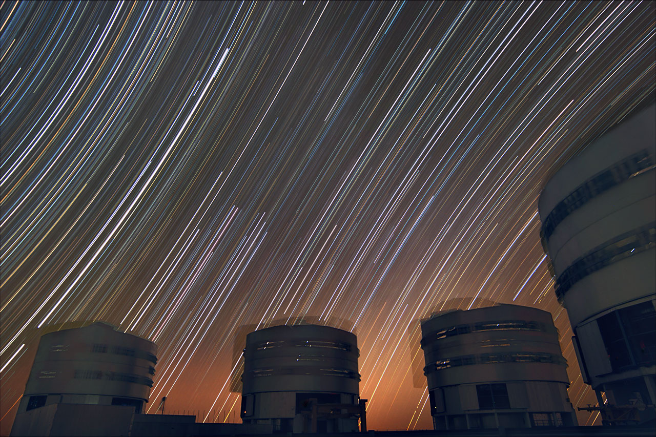Mounted image 201: Trailing stars above Paranal