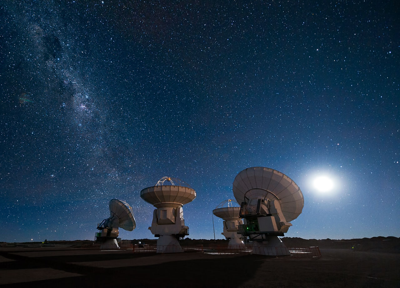 Mounted image 200: ALMA antennas under the Milky Way