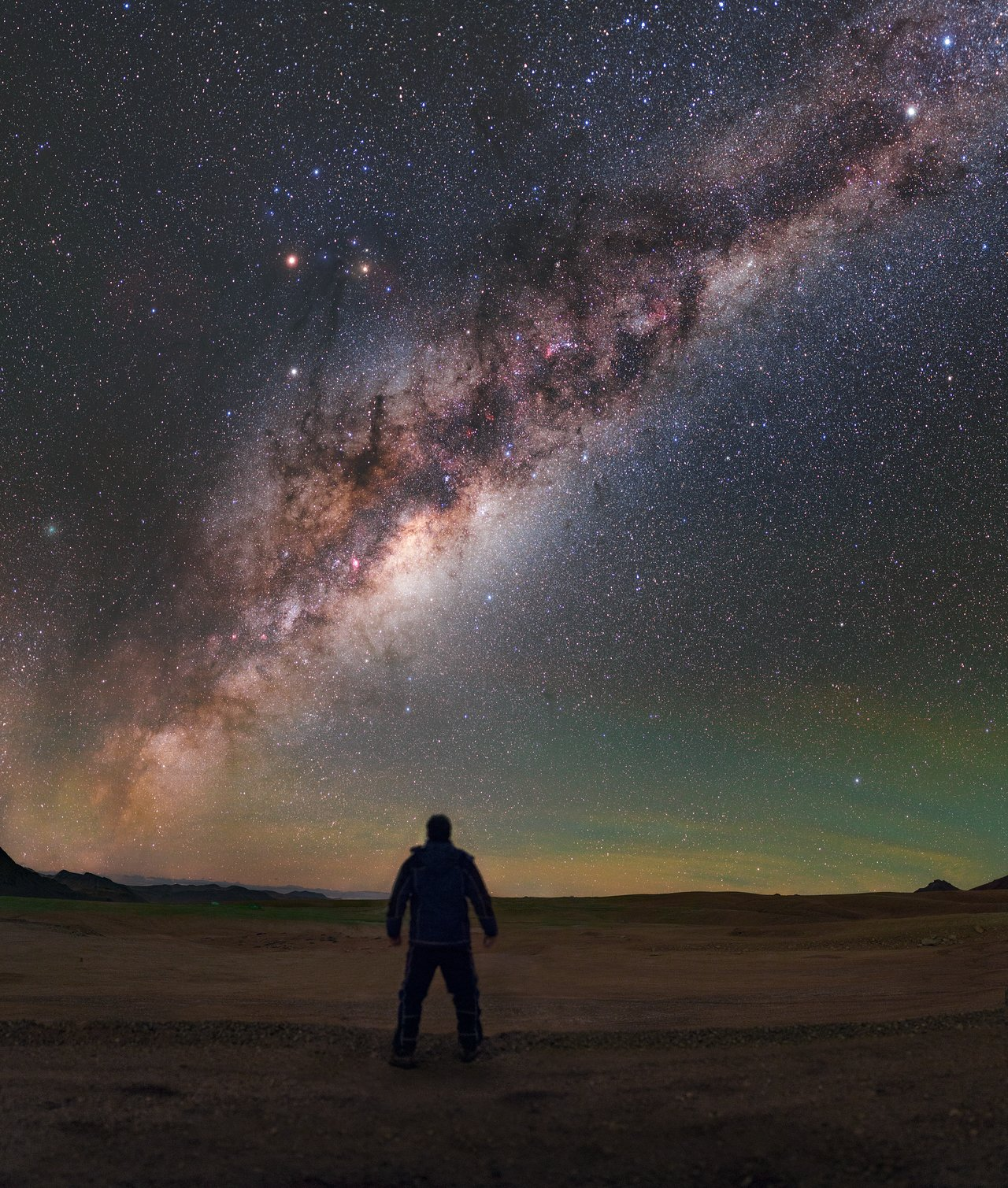 Man meets Milky Way | ESO