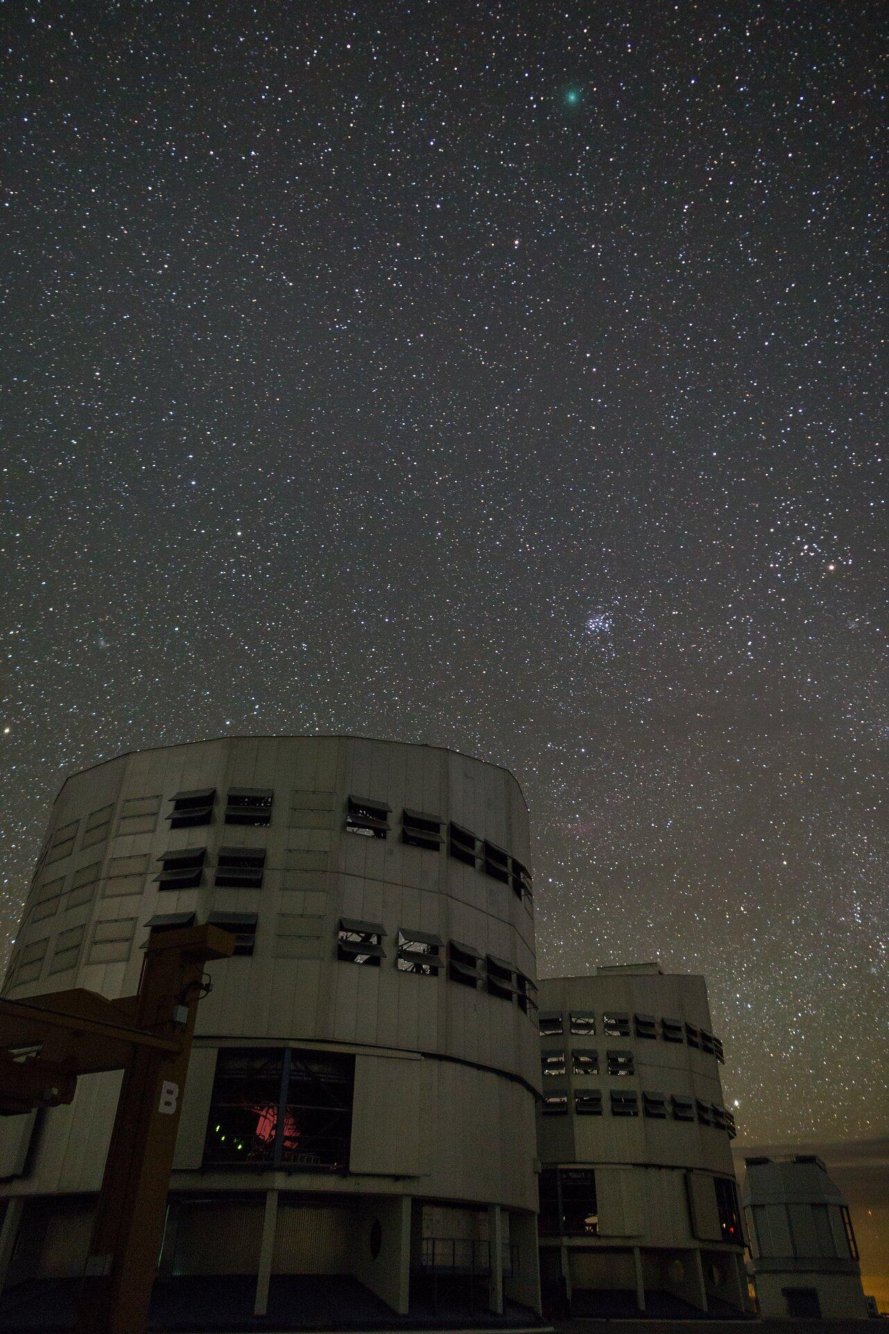 VLT Unit Telescopes observing a comet