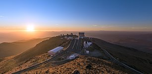 Sun rays over La Silla