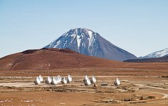 14 Antennas at the ALMA AOS