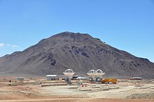 Three ALMA antennas close together on Chajnantor