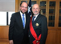 The Chilean Foreign Minister, Alfredo Moreno, with Massimo Tarenghi