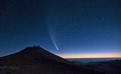 Comet McNaught over Paranal
