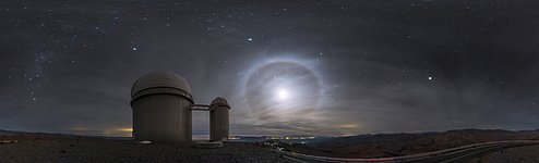 Moonshine over La Silla