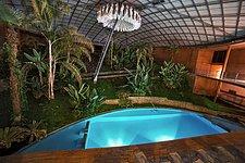 Residencia pool at night