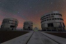 An Auxiliary Telescope Among Three Giants in UHD