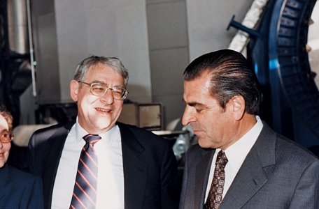Riccardo Giacconi with the President of Chile