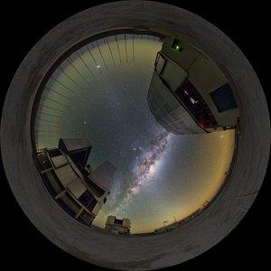 Milky Way between UTs — fisheye