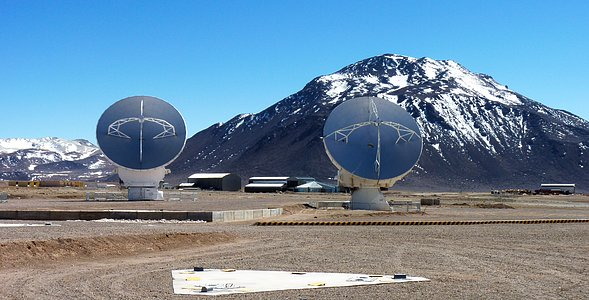 ALMA Antennae with Stunning Mountain Backdrop