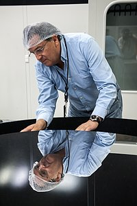 Paranal mirror inspection