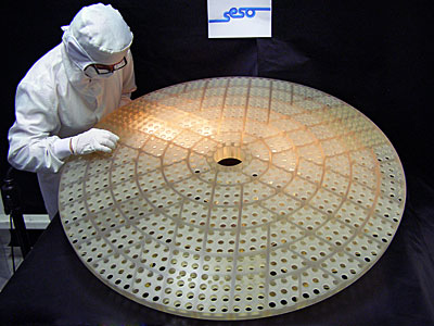 The lightweight, rigid reference optic for the new deformable secondary mirror at ESO's VLT
