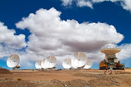 Another ALMA antenna takes its place at Chajnantor