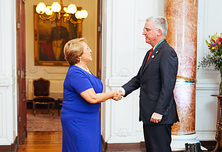 Incoming President of Chile Michelle Bachelet meets senior ESO representatives