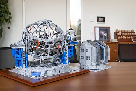 The LEGO® VLT and E-ELT models side by side