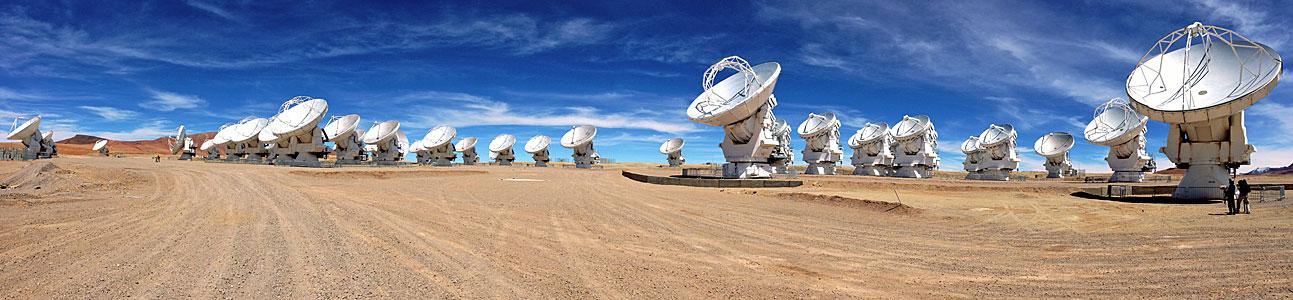 ALMA antennas on the Chajnantor Plateau
