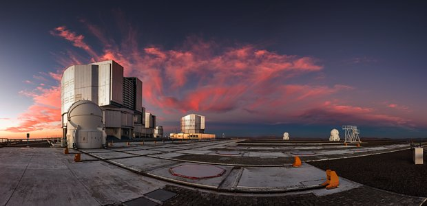 Picturesque Paranal