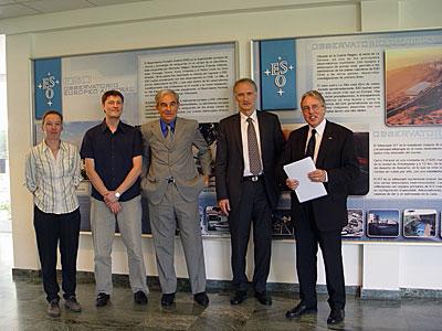 Danish Minister for Education, Mr. Bertel Haarder, at ESO's Vitacura office