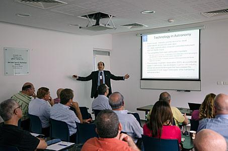 Roberto Tamai presenting technologies at ESO