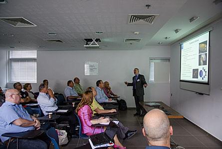 Alistair McPherson presenting the E-ELT in Haifa, Israel