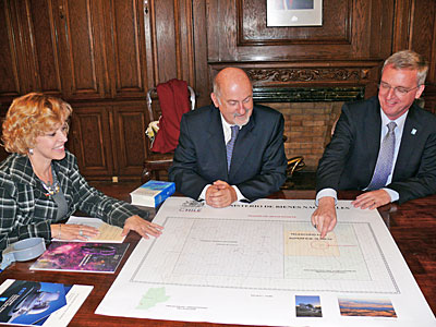 ESO Director General meets Chilean Minister of National Assets