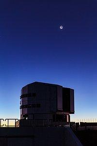 Lunar earthshine