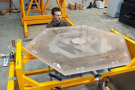 E-ELT mirror segments being tested