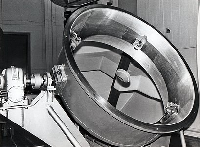 Coudé spectrograph and aluminising plant
