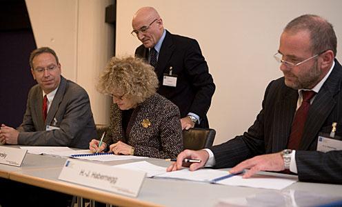 ALMA Transporter Contract Signature