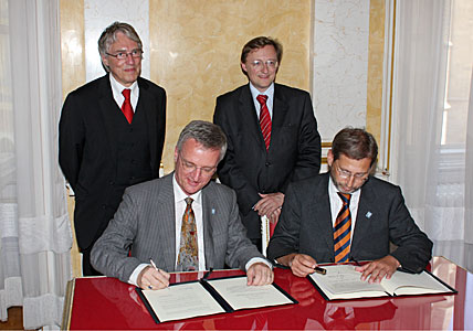 Austrian accession agreement signing