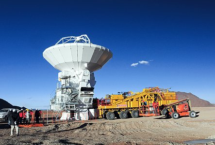 An ALMA antenna arrives on the plateau of Chajnantor for the first time
