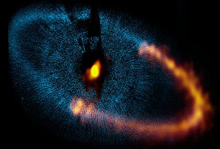 ALMA observa un anillo alrededor de la brillante estrella Fomalhaut