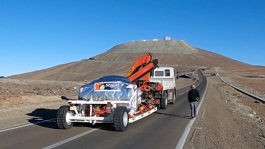 The SPHERE instrument on the final stage of its journey to the VLT