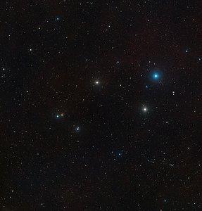 The sky around the active galaxy Markarian 1018