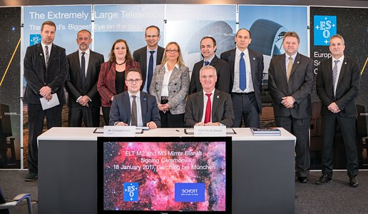 Signature ceremony for contracts for casting ELT's M2 and M3 mirrors