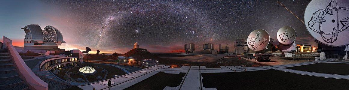 Imagem composta dos observatórios do ESO