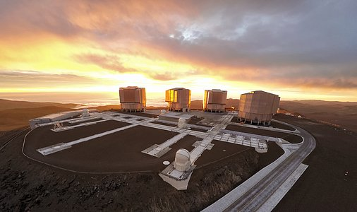 Sun, clouds, and the VLT
