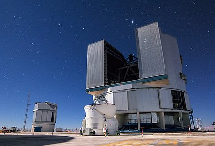 Unit Telescope ready to observe