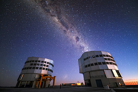 VLT emits the Milky Way