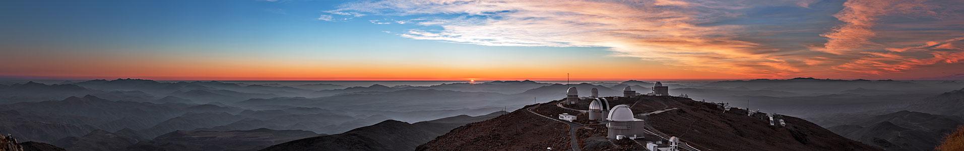 Paleta del ocaso en los cielos sobre La Silla