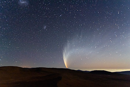 Comet McNaught over the Pacific Ocean