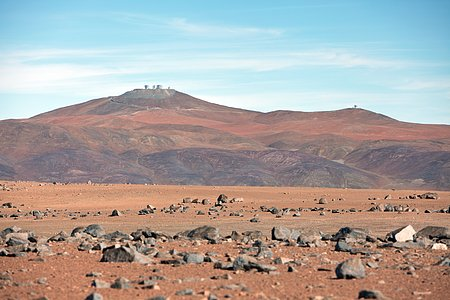 Paranal atop the mountain