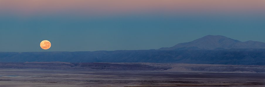 Chilean moonset