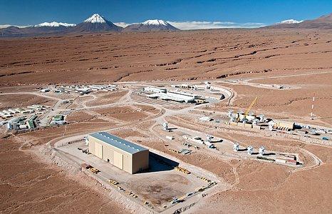 Volando sobre el Emplazamiento de ALMA: El Centro de Apoyo a las Operaciones