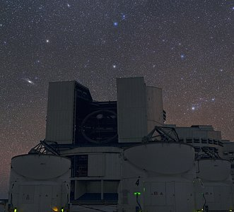 Two naked-eye galaxies above the VLT