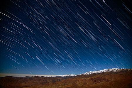 Lluvia de estrellas en el desierto
