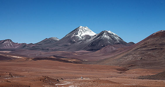 Licancabur watches over ALMA