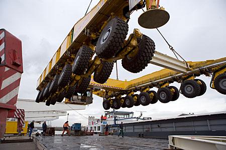 ALMA Transporter Loading