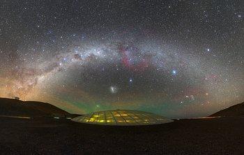 Resultado de imagen de Vía Láctea es captada en el Desierto de Atacama sobre el telescopio ALMA del Observatorio Espacial Europeo ESO